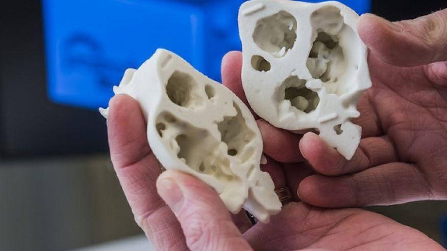 close-up-3D-printed-model-heart